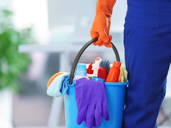 portable toilet rental cleaning service